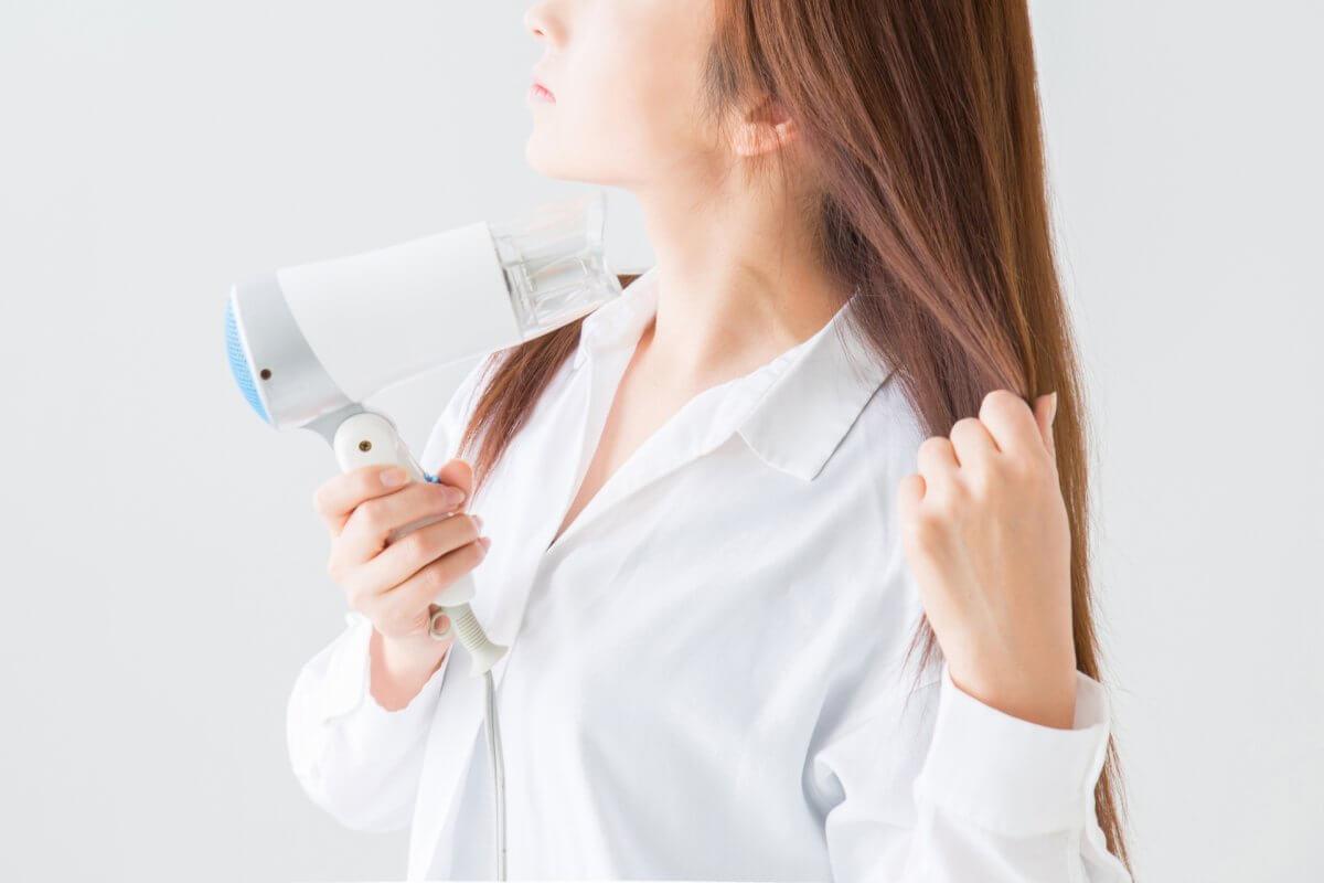 美髪に効果的なハンドブローとは?簡単なやり方と効果についてまとめ
