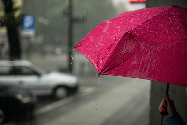 雨の日ならではのヘアケア術。今すぐできる3つのポイント